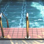 Beneficios de realizar un mantenimiento preventivo a su piscina en época de invierno